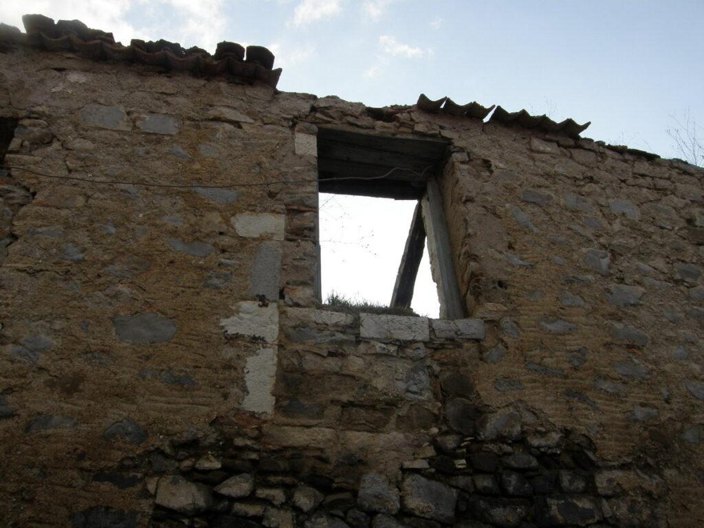 Μνημείο το σπίτι που γεννήθηκε ο Νίκος Γκάτσος Αρκαδία Αρκαδία: Μνημείο το σπίτι που γεννήθηκε ο Νίκος Γκάτσος parathiro 1024x768