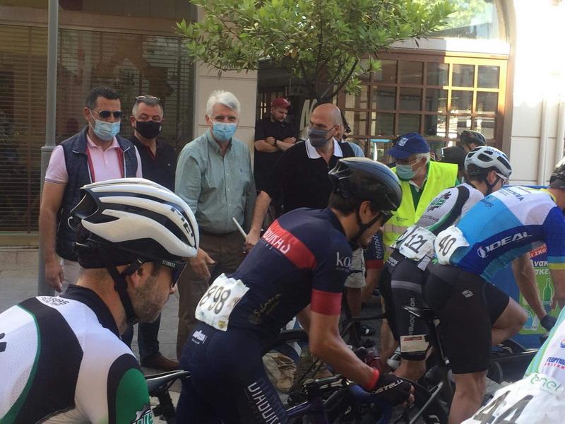 Πάνω από 400 αθλητές στον τριήμερο 43ο Ποδηλατικό Γύρο «Θυσίας»  Πάνω από 400 αθλητές στον τριήμερο 43ο Ποδηλατικό Γύρο «Θυσίας» 15518 01