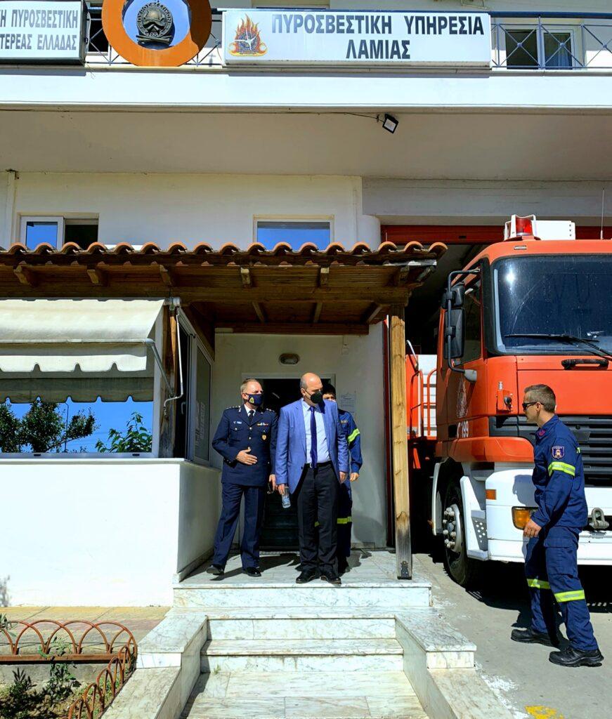 Επίσκεψη Γιάννη Οικονόμου Πυροσβεστική Υπηρεσία Λαμίας 20210517 115049 871x1024