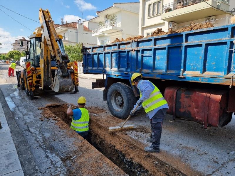 Ξεκίνησε το μεγαλύτερο έργο ύδρευσης στα Τρίκαλα  Ξεκίνησε το μεγαλύτερο έργο ύδρευσης στα Τρίκαλα deyat zon2a