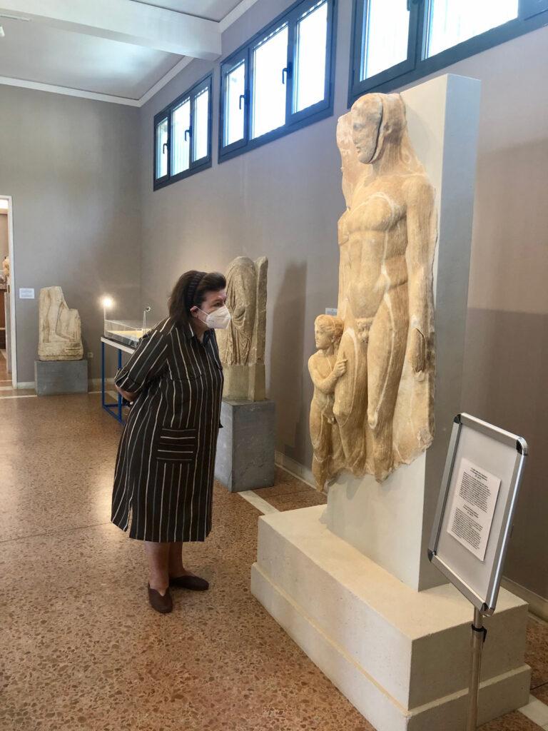 Αυτοψία Λίνας Μενδώνη σε μνημεία της Τήνου                                                                                                                                                         768x1024