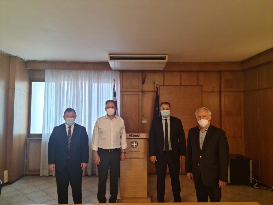 Σύσκεψη βουλευτών Σπήλιο Λιβανό για την κλημεντίνη  Σύσκεψη βουλευτών Σπήλιο Λιβανό για την κλημεντίνη 20210721 950x713