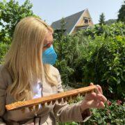 Φωτεινή Αραμπατζή  Διπλασιάζεται στα 12,32 εκατ. ο προϋπολογισμός του Εθνικού Μελισσοκομικού Προγράμματος ARAMPATZHMELISSES01 180x180
