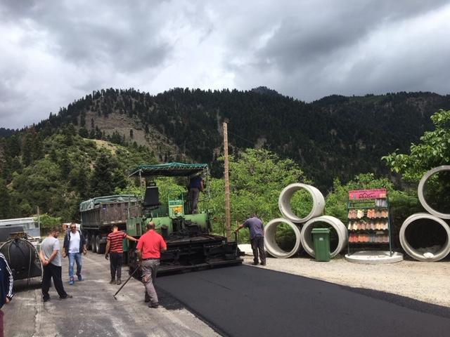 Ευρυτανία: Ξεκινούν εργασίες βελτίωσης οδικού δικτύου Βαρβαριάδα-Μάραθος  Ευρυτανία: Ξεκινούν εργασίες βελτίωσης οδικού δικτύου Βαρβαριάδα-Μάραθος asfaltostroseis agrafa