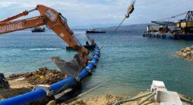 Ολοκληρώθηκε η πόντιση του υποθαλάσσιου αγωγού υδροδότησης της Αίγινας  Ολοκληρώθηκε η πόντιση του υποθαλάσσιου αγωγού υδροδότησης της Αίγινας photo aigina 1 275x150