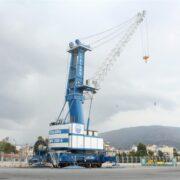Νέος αυτοκινούμενος γερανός και μηχάνημα διακίνησης εμπορευματοκιβωτίων στο Λιμάνι του Βόλου                                             180x180