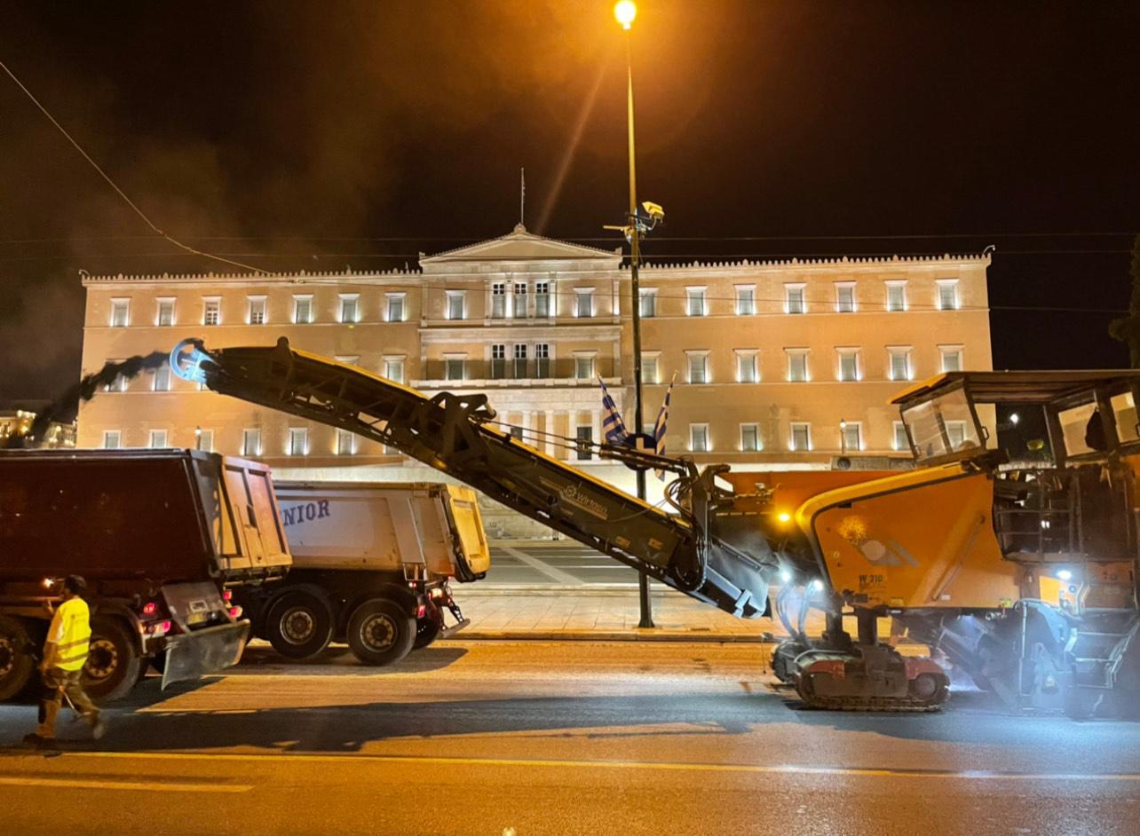 Ολοκληρώθηκαν τα έργα ανακατασκευής του οδοστρώματος περιμετρικά της πλατείας Συντάγματος photo syntagma 4