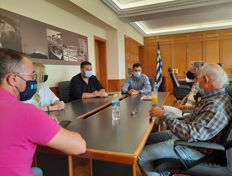 Σύσκεψη για έργα αντιπλημμυρικής προστασίας κι αυτοψία στον Ενιπέα 16070 01