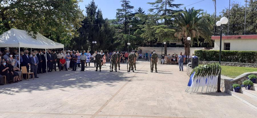 Συγκίνηση και υπερηφάνεια στα αποκαλυπτήρια της προτομής του Αργύριου Σίννη στο Καπαρέλλι Θηβών 20210829 110207