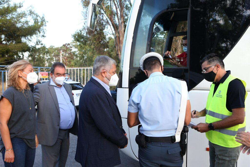 Έλεγχοι μικτών κλιμακίων Περιφέρειας Αττικής και Τροχαίας σε σχολικά λεωφορεία IMGL7274 1024x683