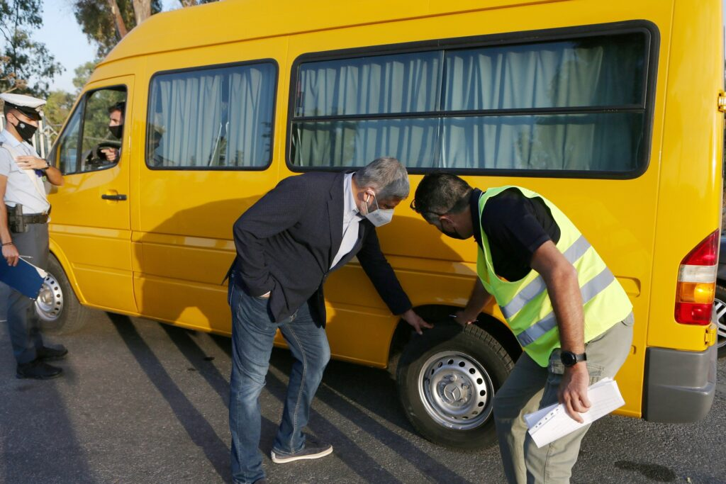Έλεγχοι μικτών κλιμακίων Περιφέρειας Αττικής και Τροχαίας σε σχολικά λεωφορεία IMGL7304 1024x683