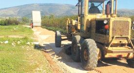 Ξεκινούν έργα αγροτικής οδοποιίας στους Δήμους Δελφών και Μακρακώμης agrotiki