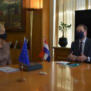 Επενδύσεις και ανταλλαγή τεχνογνωσίας στη συνάντηση Σπήλιου Λιβανού και Ολλανδής Πρέσβειρας ypourgos ollandi presvira2 180x180