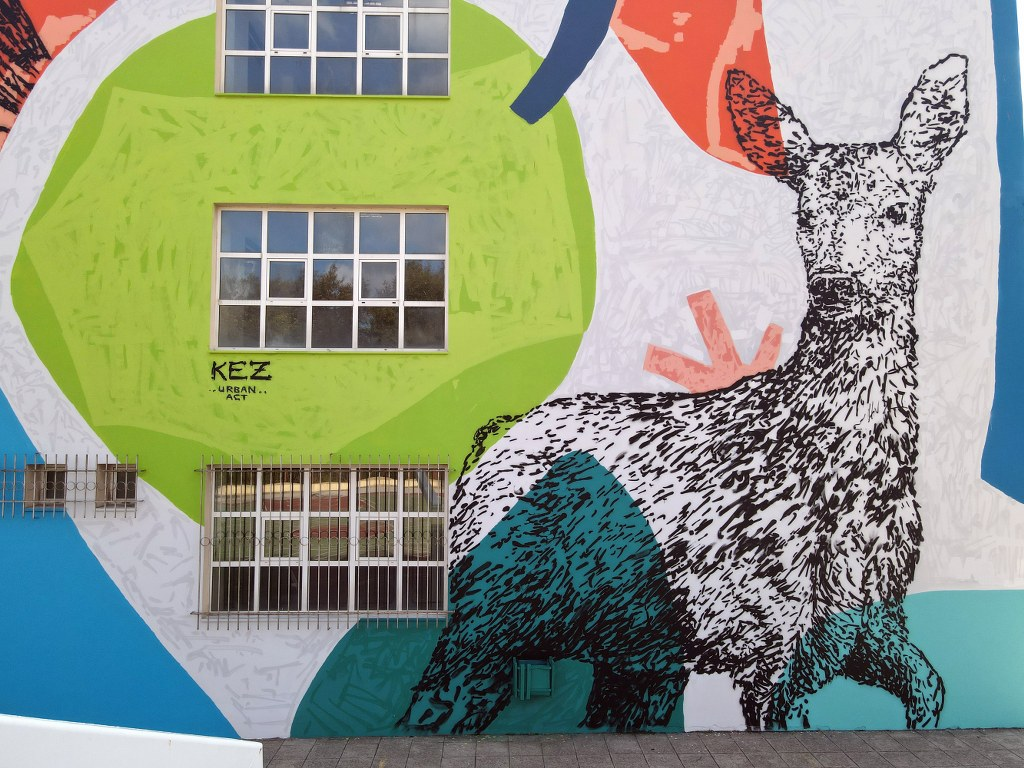 Mεγάλη τοιχογραφία στο δημοτικό σχολείο Μαντουδίου DJI 0418 1024x768