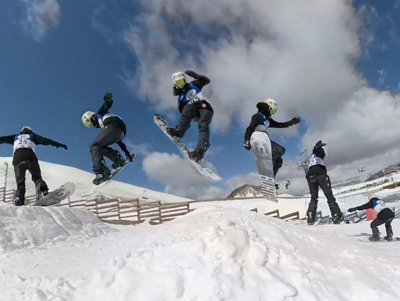 Αγώνες στην Ολλανδία για την χιονοσανίδα, προετοιμασία στην Σλοβενία για το δίαθλο chionosanida